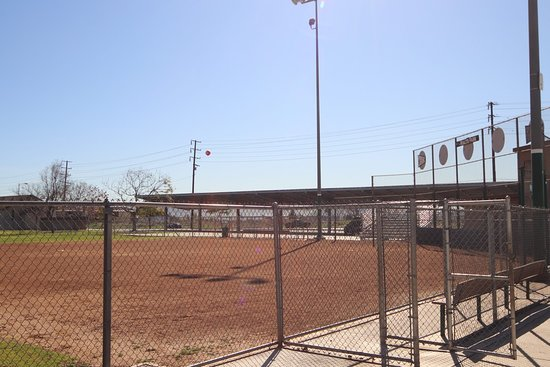 Rialto, CA: Baseball