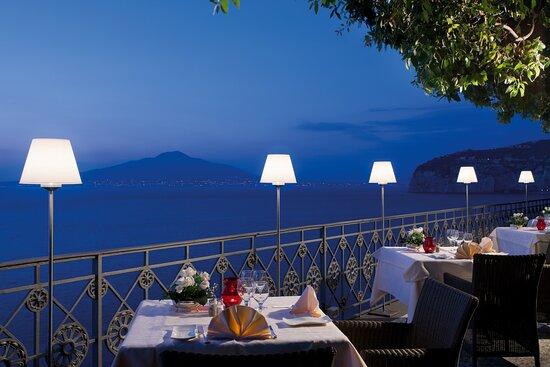 Grand Hotel Ambasciatori, hôtels à Sorrente
