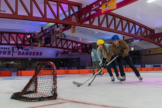 Try out ice hockey at the Queenstown Ice Arena.  Try something new with your friends, challenge your siblings or take on your date.   #datenight