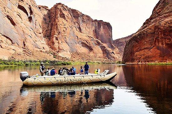Excursion d'une journée complète sur le fleuve Colorado au départ de...