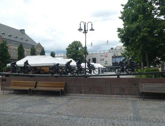 Statyn ''aseaströmmen''