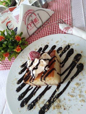 Dolno Konjsko, Cộng hòa Macedonia: Homemade Cake 🍰