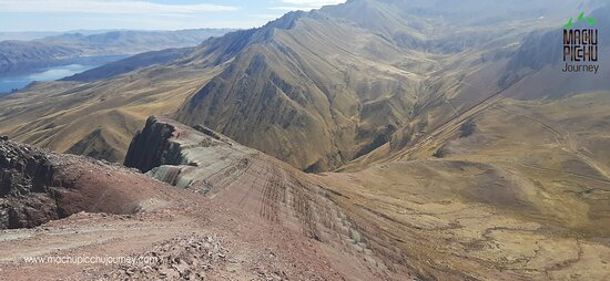 Montaña Pallay Punchu del Apu T´acllo