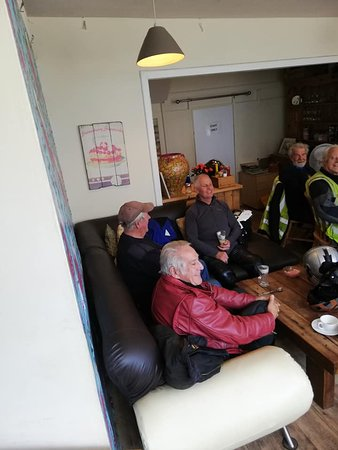 North Tawton, UK: Full belly's and ready to continue their ride-out