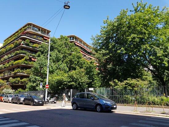 Palazzo in Via Quadronno 24