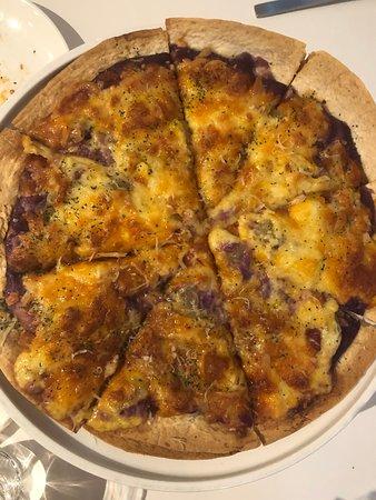 mocktini 概念調飲餐館的芋見夏威夷(脆皮薄餅12吋)