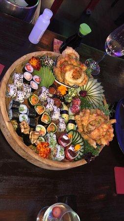 Sushi vegetariano!!! Lindamente apresentado e cada peça uma experiência maravilhosa!!!