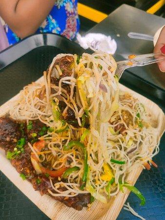 Manchurian gravy with garlic noodles