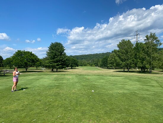 ‪Candlewood Valley Country Club‬