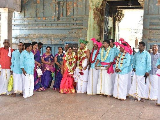 Thirukadaiyur, הודו: Thirukadaiyur temple 60th 70th 80th Marriages online booking. Contact:9047408916. www.thirukkadaiyur60thmarriages.com