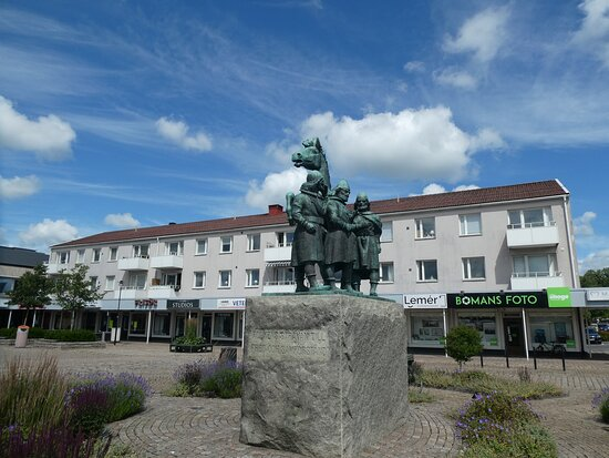 Statyn ''trekungamötet''