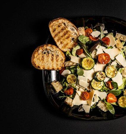insalata al  Kkult Ristorante Olbia