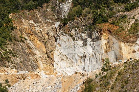 Carrara รูปภาพ