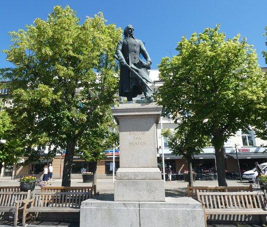 Statyn ''baltzar Von Platen''