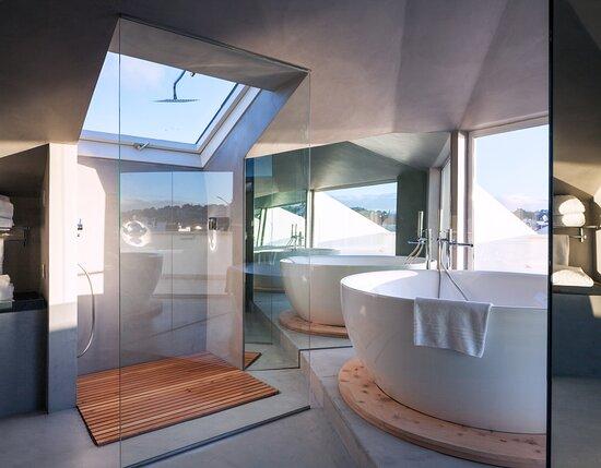 A casa de banho fantastica do Grand Deluxe