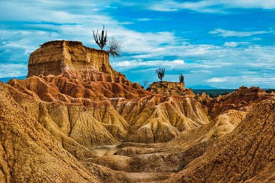 5 Days Colombia's South - Deserts, Archeology and Indigenous