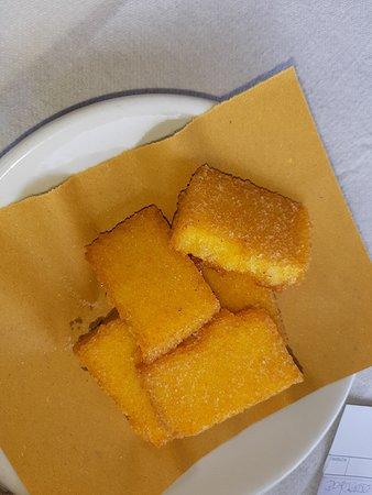 Schia, İtalya: I cinque (5) pezzetti di polenta: buonissima, ma a caro prezzo