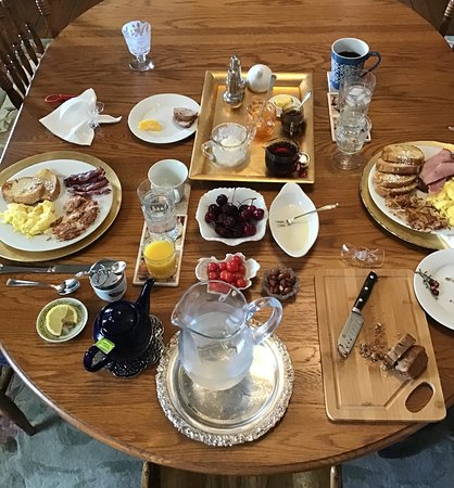Come hungry for a Big Breakfast!