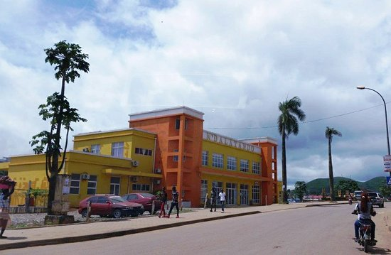 Ndalatando, Angola: Hotel and the actual terminal
