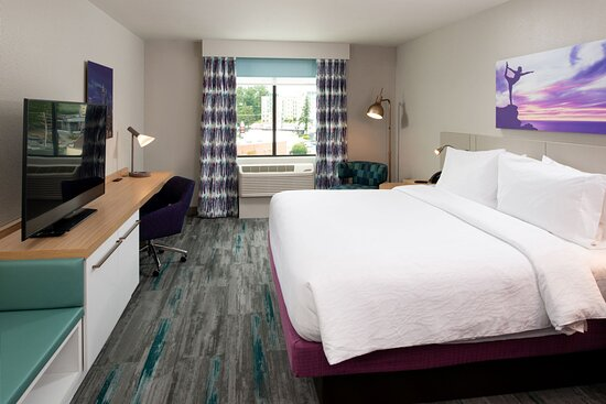 Our King rooms will provide comfort and modern conveniences.