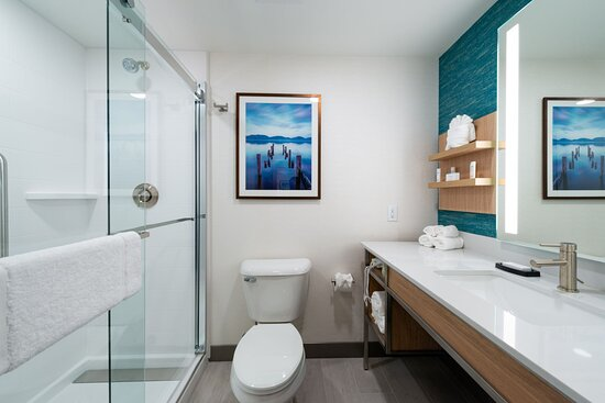 Clean and vibrant decor continues into our guest bathrooms.