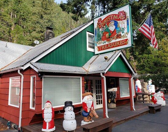 Blue River, OR: Christmas Treasures