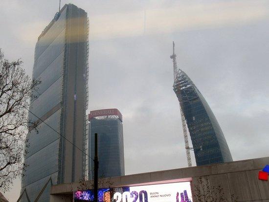"""Torre Libeskind - Il """"curvo"""""""