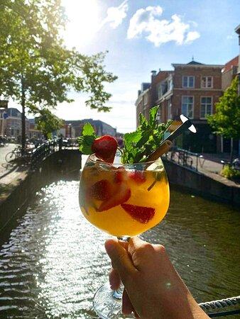 Enjoy a nice cocktail in the sun!