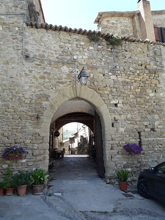 Ingresso al Borgo