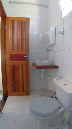 Suíte 04 - banheiro