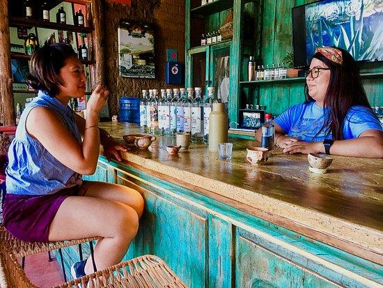 אואחאקה, מקסיקו: Private tour. Mezcal tastings at a family mezcal distillery. 