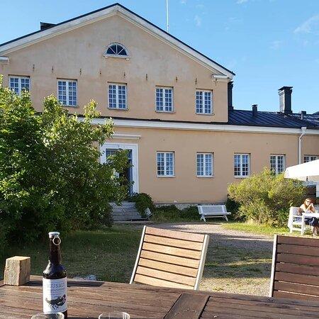 Western Finland, Finska: Päärakennus