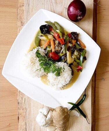 Basmati Reis mit grünem Curry