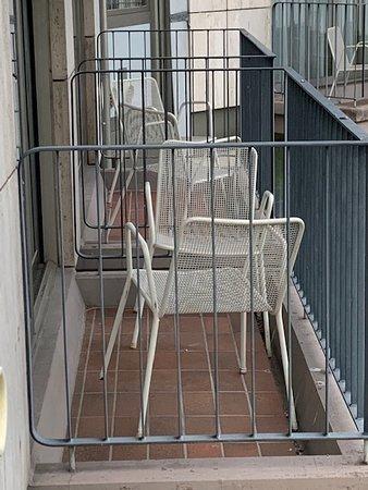 Balkonmöbilierung - einfachst und ohne Auflagen - und das bei ****S