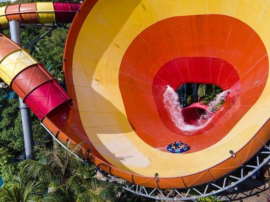 Sunway Lagoon - Waterpark Vuvuzela