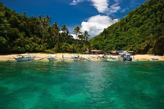 Puerto Galera Island Hopping and Snorkeling with Unlimited Lunch and...