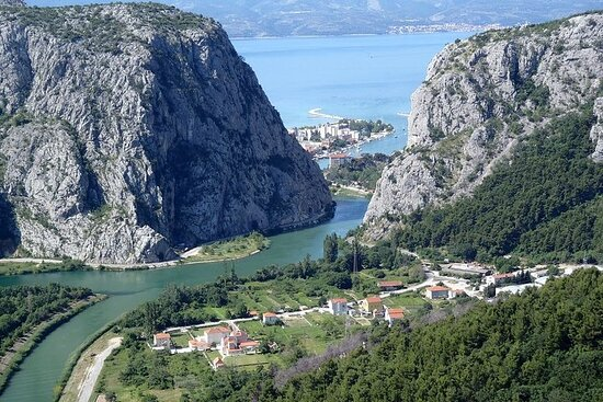 Private Tour from Split to Omiš...
