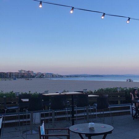 Bar-restaurante a pie de playa.