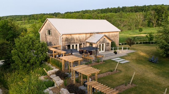 The Roost Wine Co.