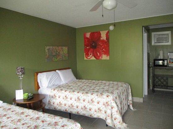 Balsam Lake, WI: REFRIGERATORS MICROWAVES  NEW TEMPURPEDIC BEDS NEW SHOWERS