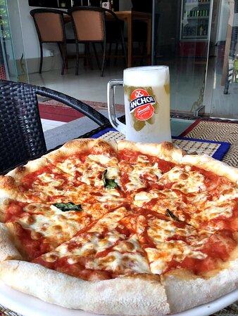Semplice pizza Margherita
