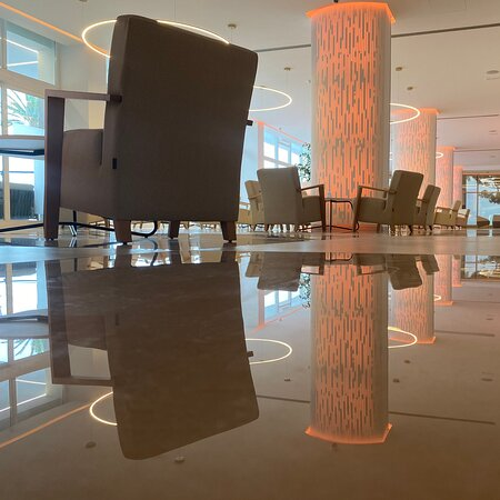 Hotel fantastico....pulito e centrale ma con pace...staff educato, ti senti in famiglia   Fantastic place to be, very clean and good located, the staff is very cool And you fell like at home....