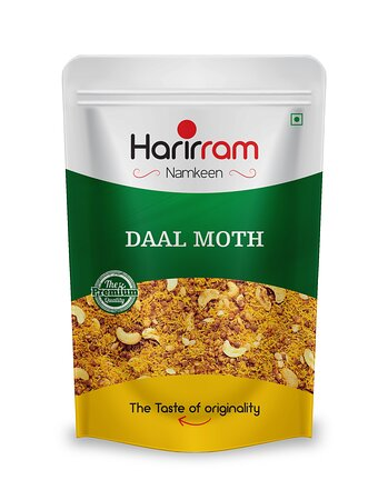 Madhya Pradesh, Índia: Dal Moth – tasty traditional North Indian savory(namkeen) made from fried lentils, sev, nuts and spices