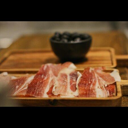 Dalmatian smoked ham