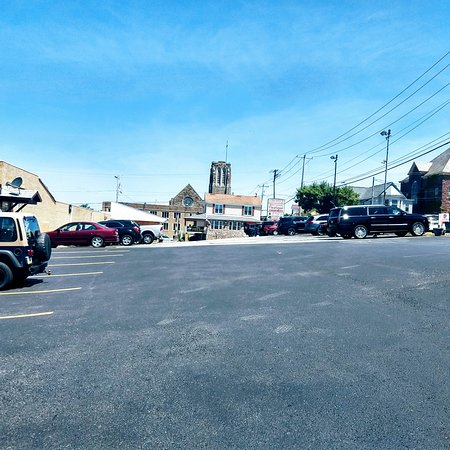 A very large parking lot share with Miller's crossing fleatique