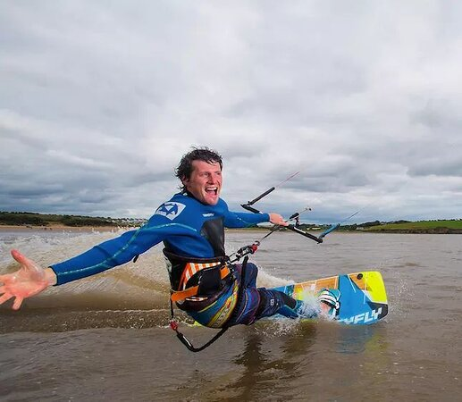 Hooked Kitesurfing