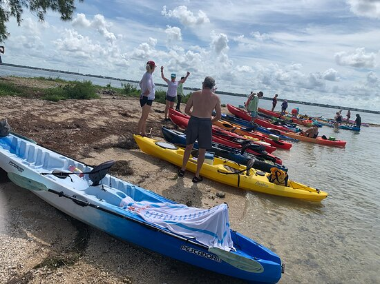 Crystal Beach, FL: Water was prefect today awesome paddle and great group of people..