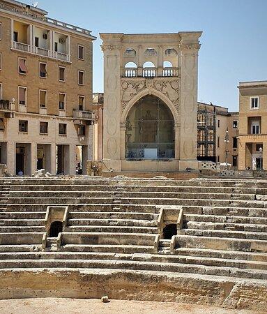 Anfiteatro Romano - Picture No. 10 - By israroz - (June 2019)