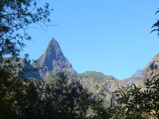 Hiking: Authentic immersion in Mafate: Mafate