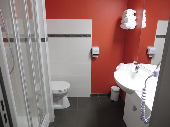 Saint-Contest, Francia: très grande salle de bain